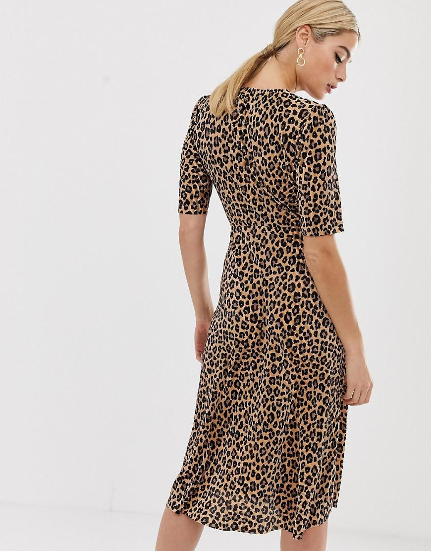cddadfed60 Asos Asos Design Tall Exclusive Leopard Print Plisse Midi Dress With Button  Detail - Lyst