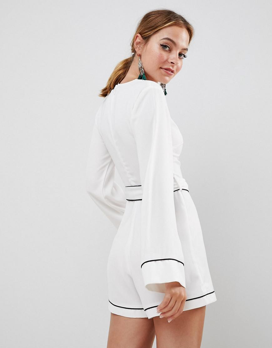 0bcda15cb9e2 Missguided Contrast Trim Belted Kimono Sleeve Playsuit in White - Lyst