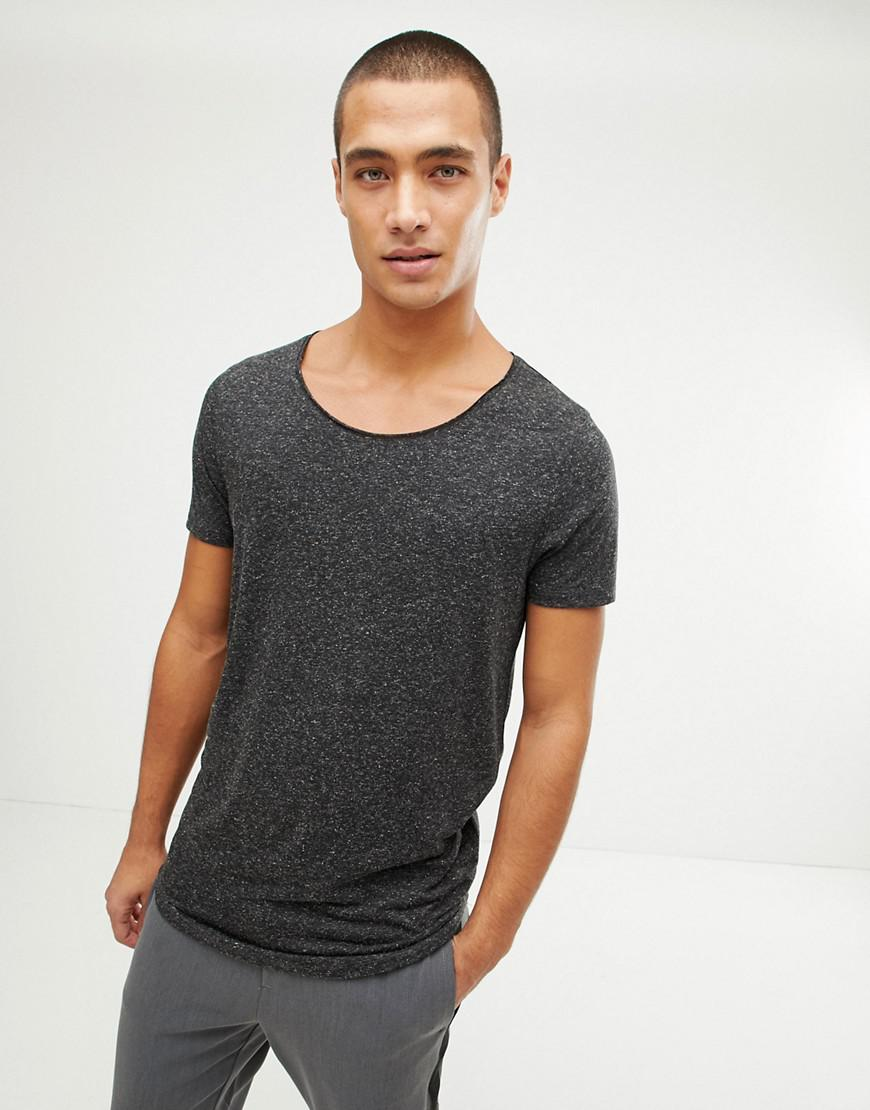751634d78f4857 asos-design-Black-Longline-T-shirt -With-Raw-Scoop-Neck-And-Curve-Hem-In-Linen-Mix-In-Black.jpeg