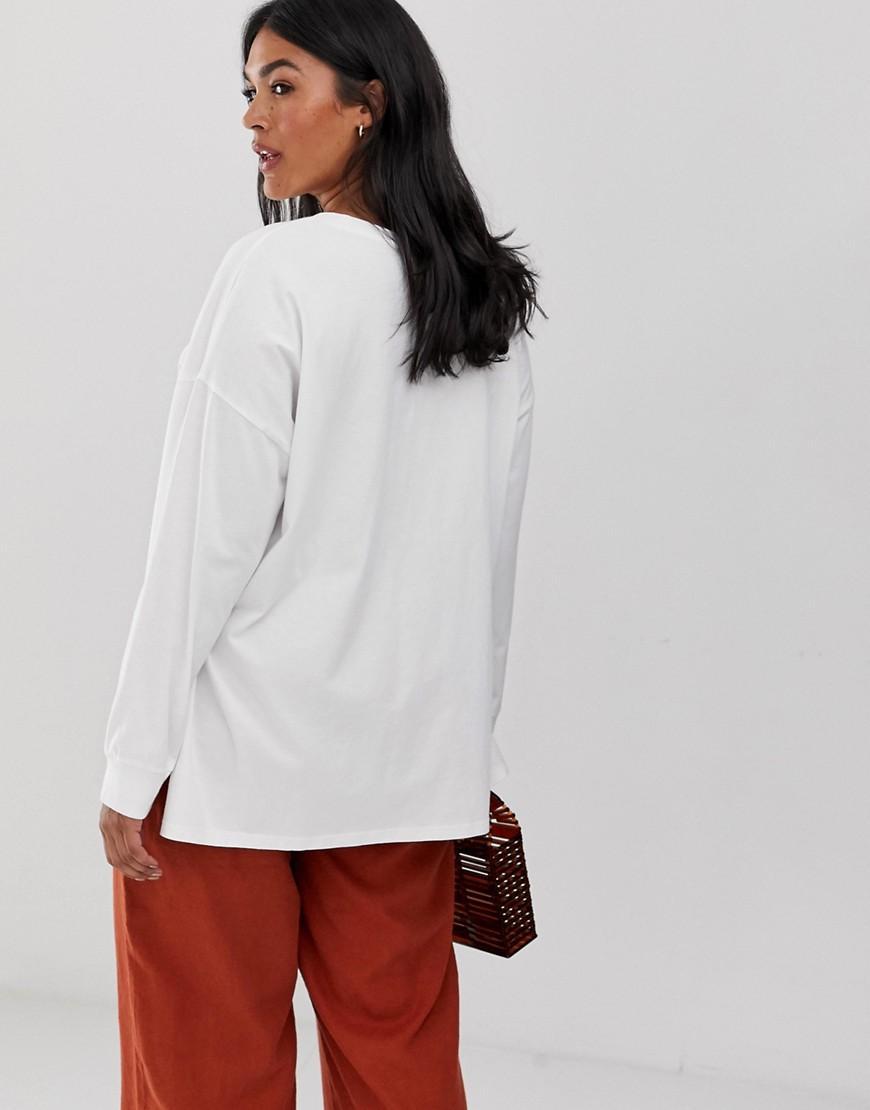 ASOS DESIGN Curve - Top oversize délavé à manches longues ASOS en coloris Blanc