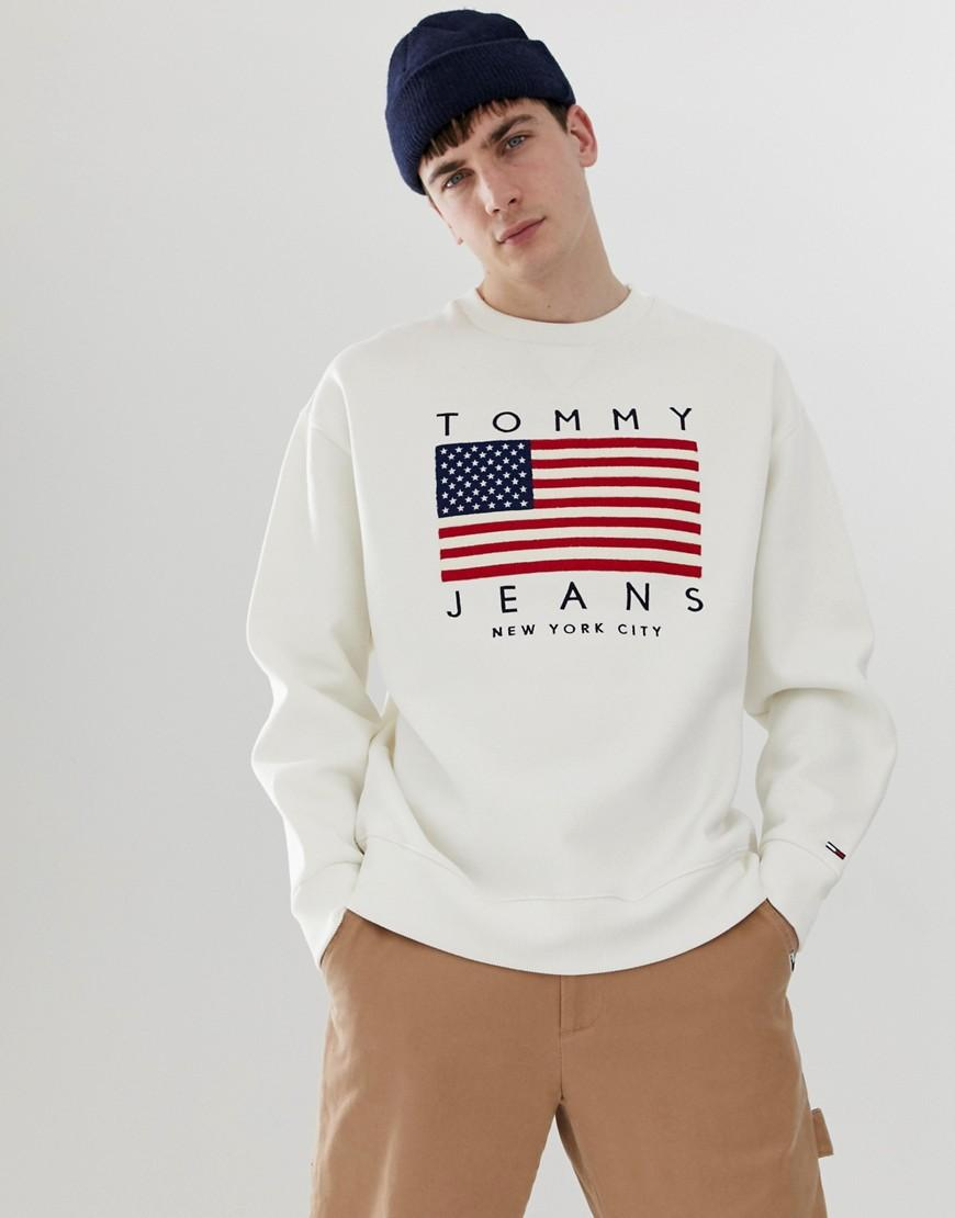 22a8591cf2a760 Tommy Hilfiger Us Flag Capsule Logo Print Crew Neck Sweatshirt In ...