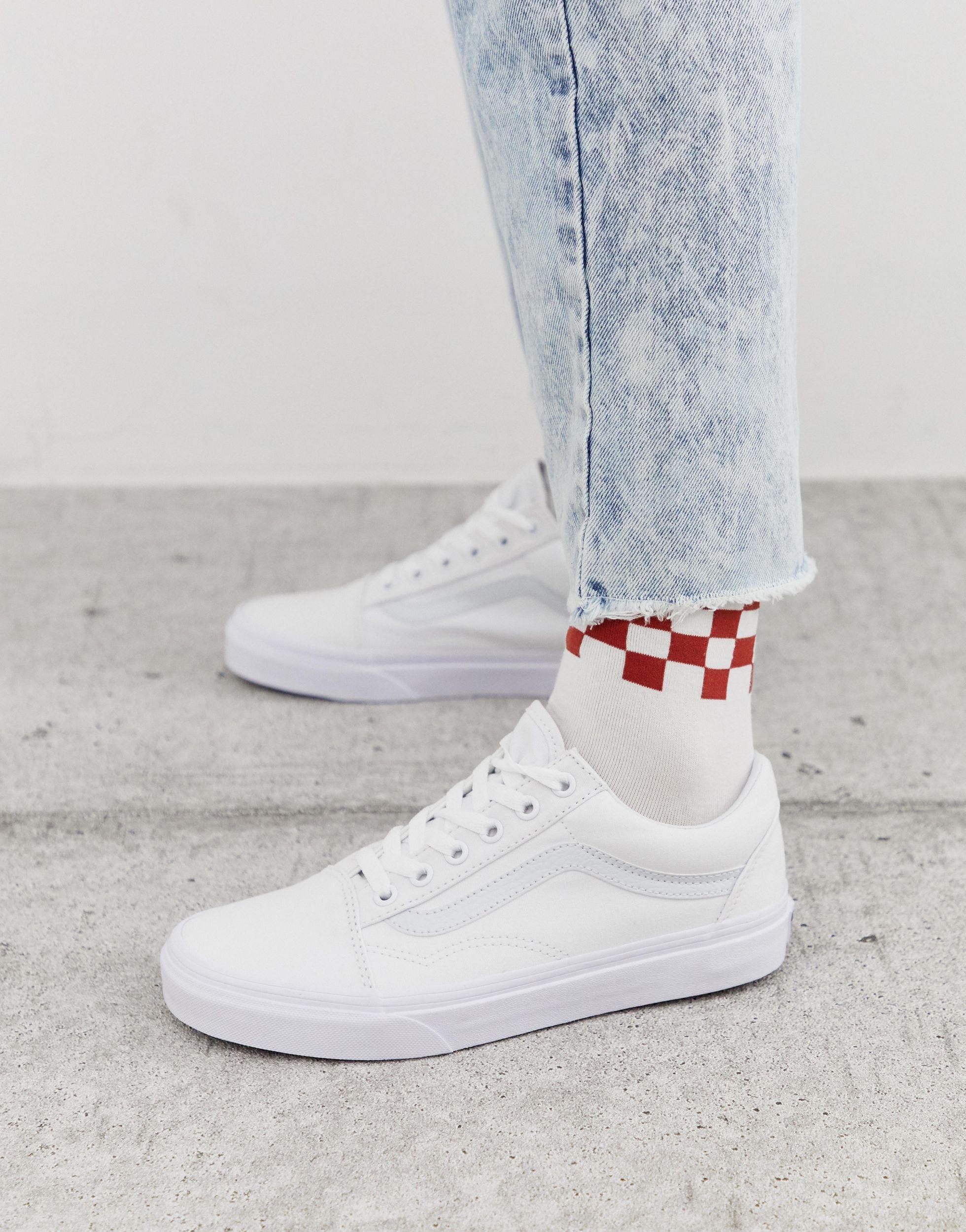 Classic Old Skool Triple White Sneakers