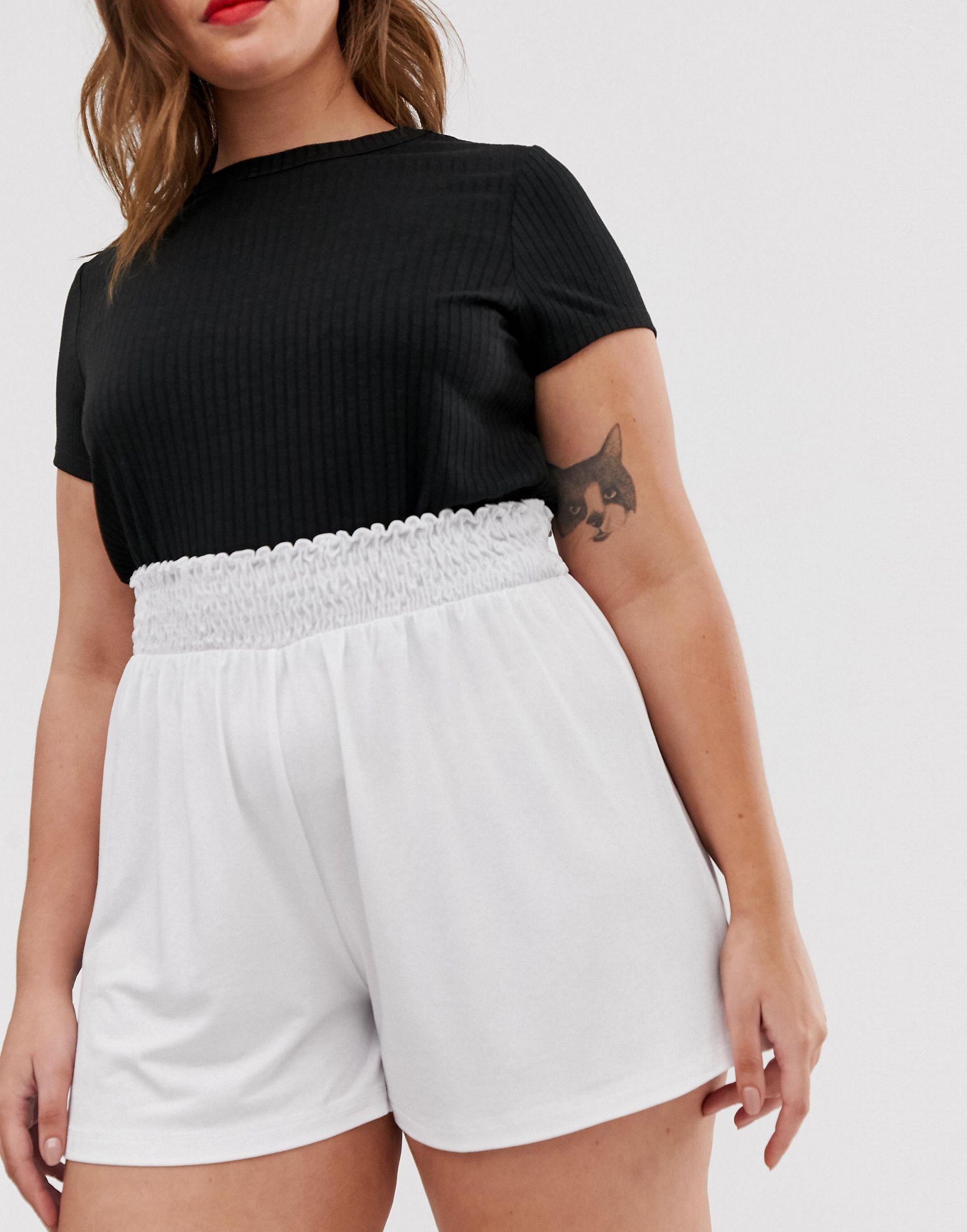ASOS DESIGN Curve - Short à taille froncée ASOS en coloris Blanc