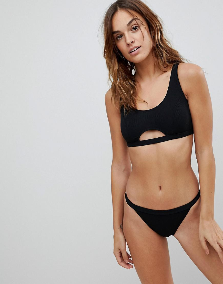 Find and save ideas about Black cut out bikini top on Pinterest. | See more ideas about Black cut out bikini bottoms, Black strappy bikini and Bathing suit bottoms.