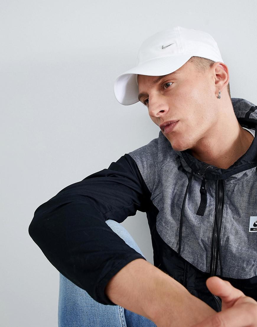 Homme Lyst Avec Pour Virgule Mtallique En Casquette Logo Nike wOqPgB