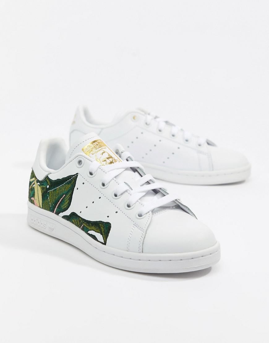 16a01f177880 adidas Originals Stan Smith Sneakers In White With Embroidery in ...
