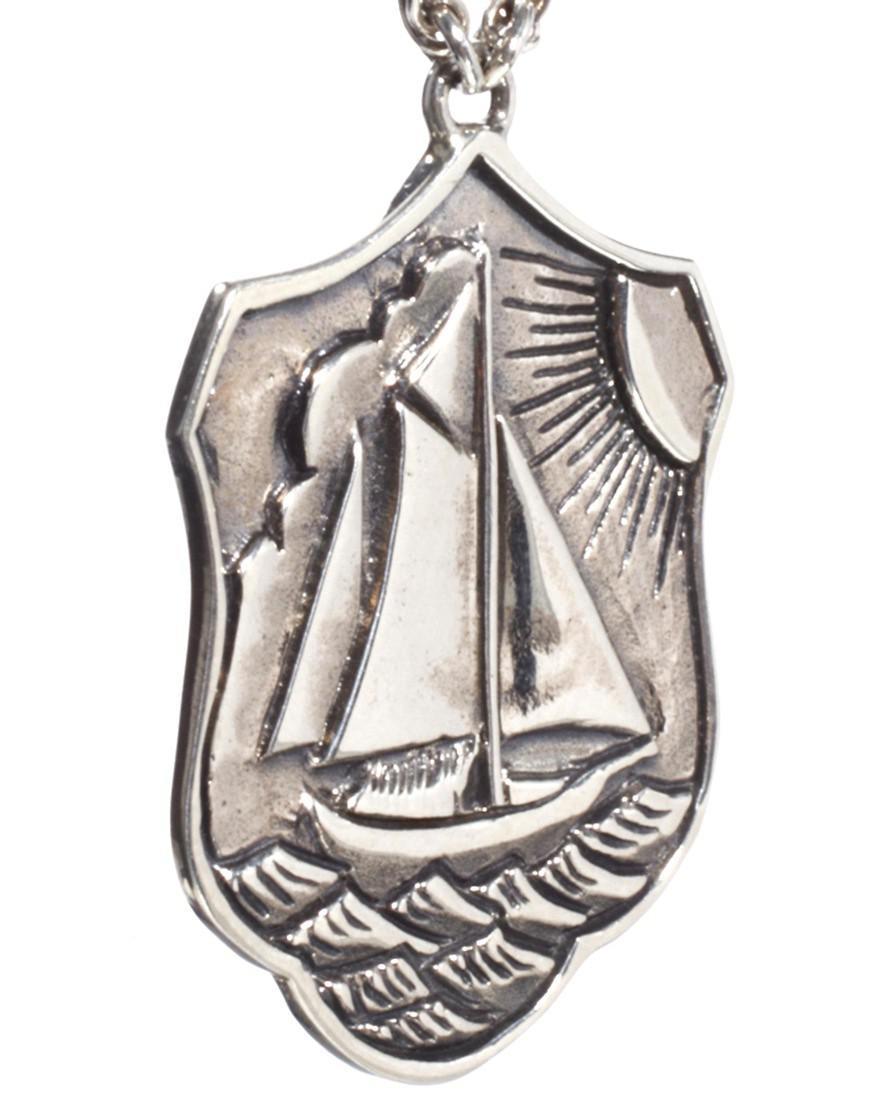 Zoe & Morgan Zoe Morgan Seven Seas Necklace in Silver (Metallic)