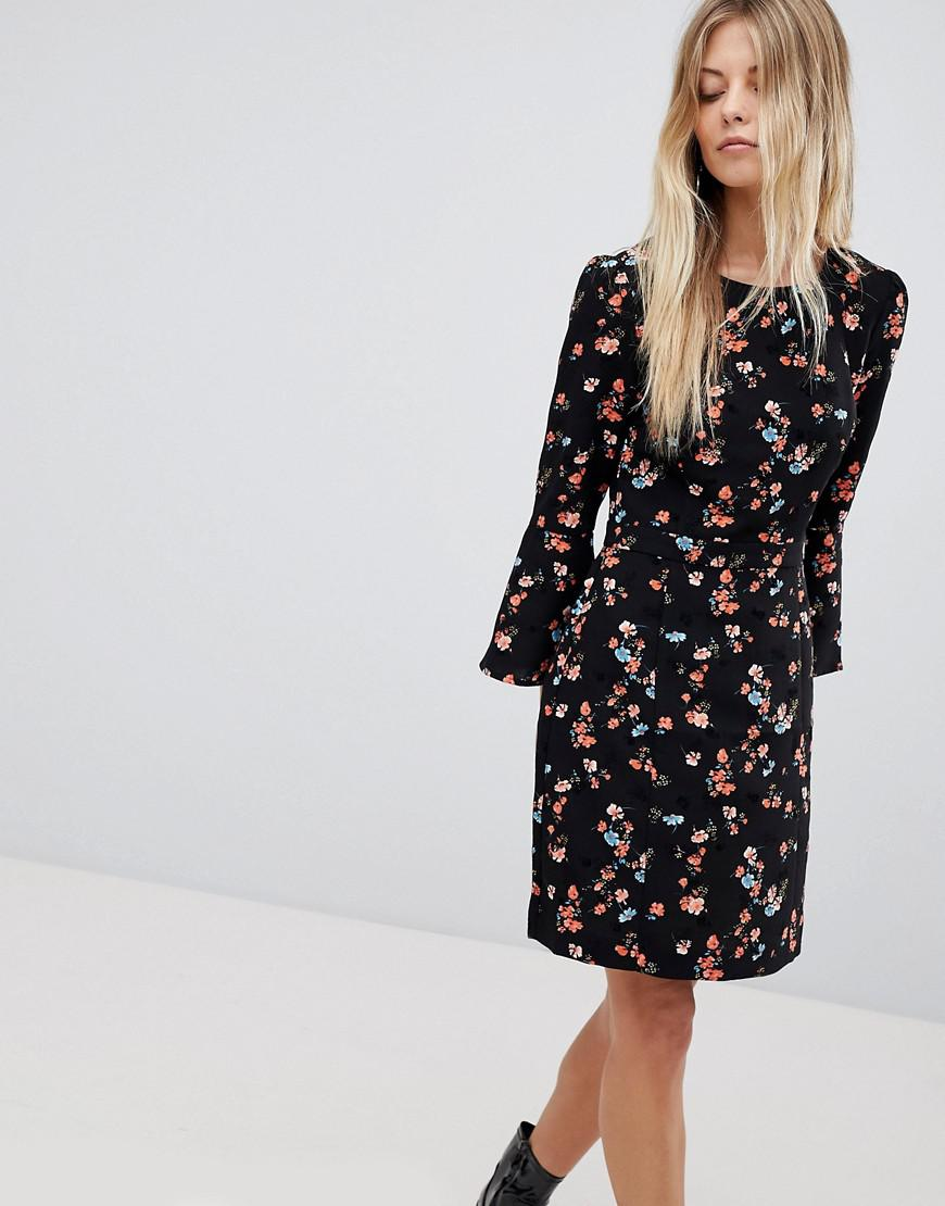 21de05f071 Oasis Floral Printed Fluted Sleeve Midi Dress in Black - Lyst