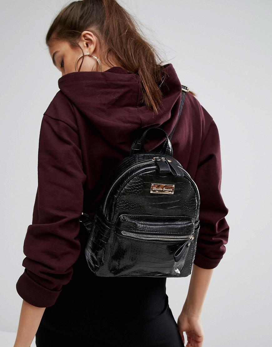 Claudia Canova Leather Mini Backpack in Black