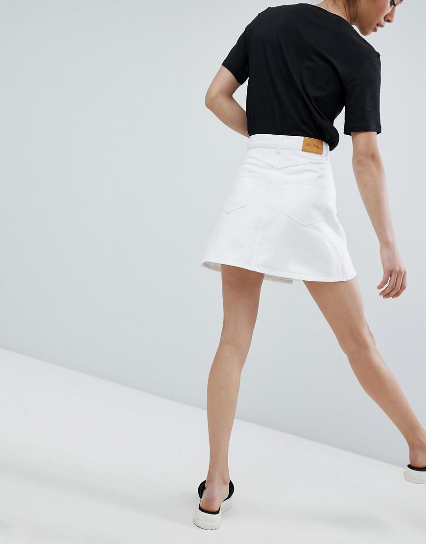 Lyst - Jupe trapze en jean boutonne sur le devant Monki en coloris Blanc 42dd940e2fc1
