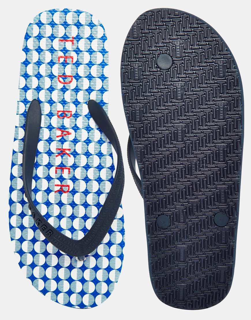 Shoejob in leather flip flops 9