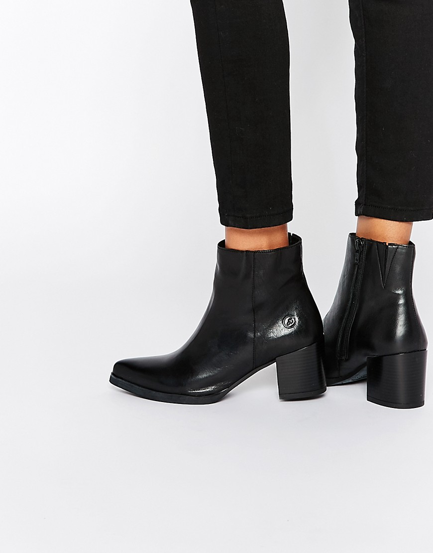 best place to buy reasonably priced Point Heeled Leather Ankle Boots - Black Nappa