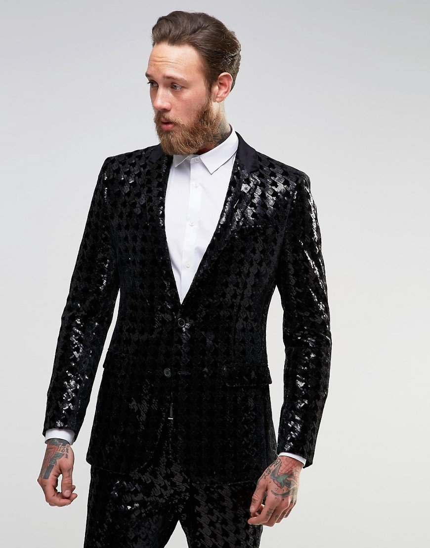 Discover the range of wedding suits for men at ASOS. Shop for the perfect wedding guest outfit with our range of smart and summer suits. Shop now at ASOS.