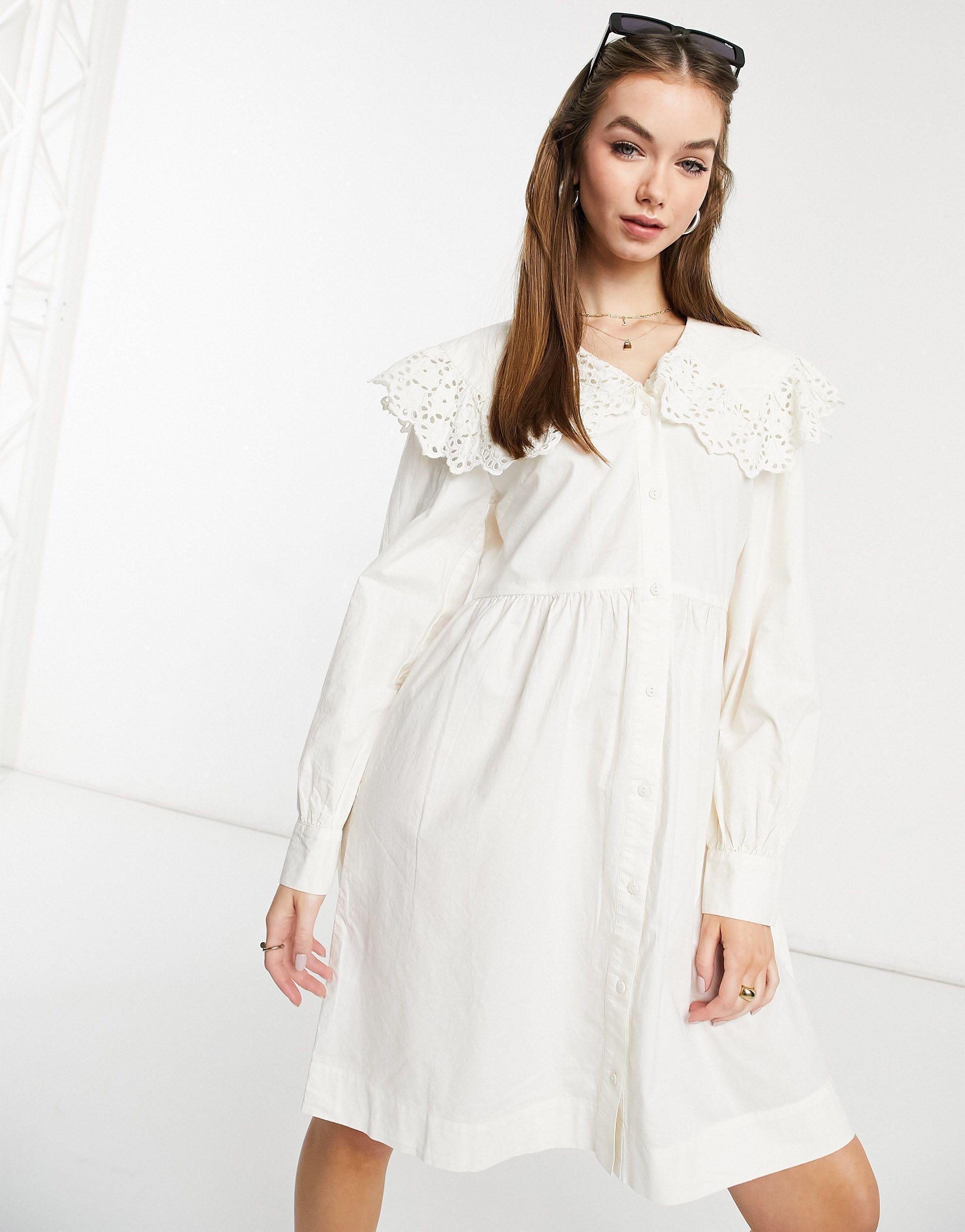 Y.A.S – es Minikleid mit Bubikragen mit Lochstickerei in Weiß   Lyst