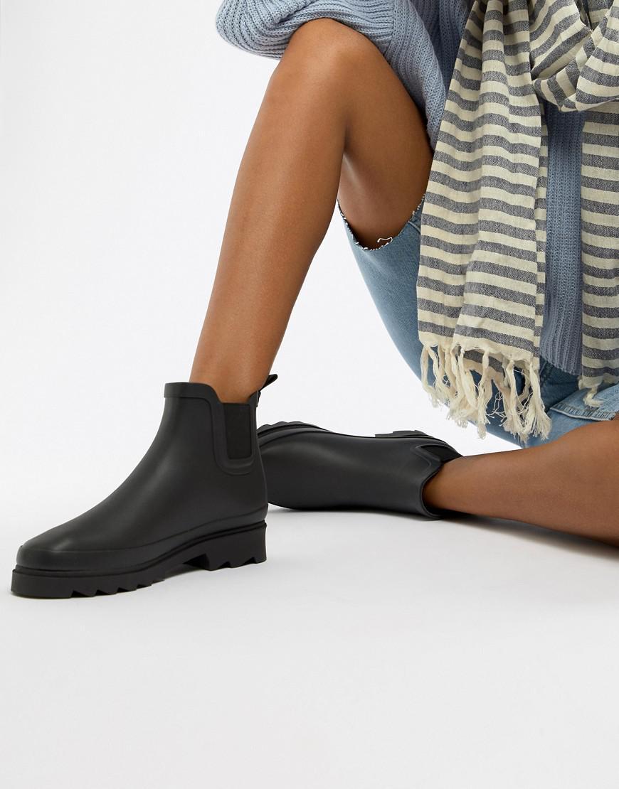 Matt & Nat Rubber Chelsea Wellie Boots in Black