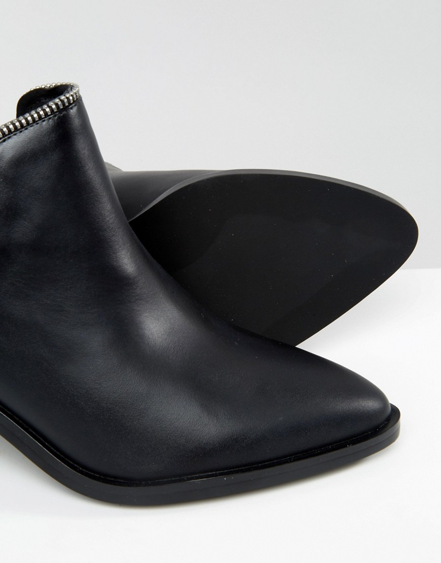Senso Huntley I Black Leather Cut Out Zip Ankle Boots