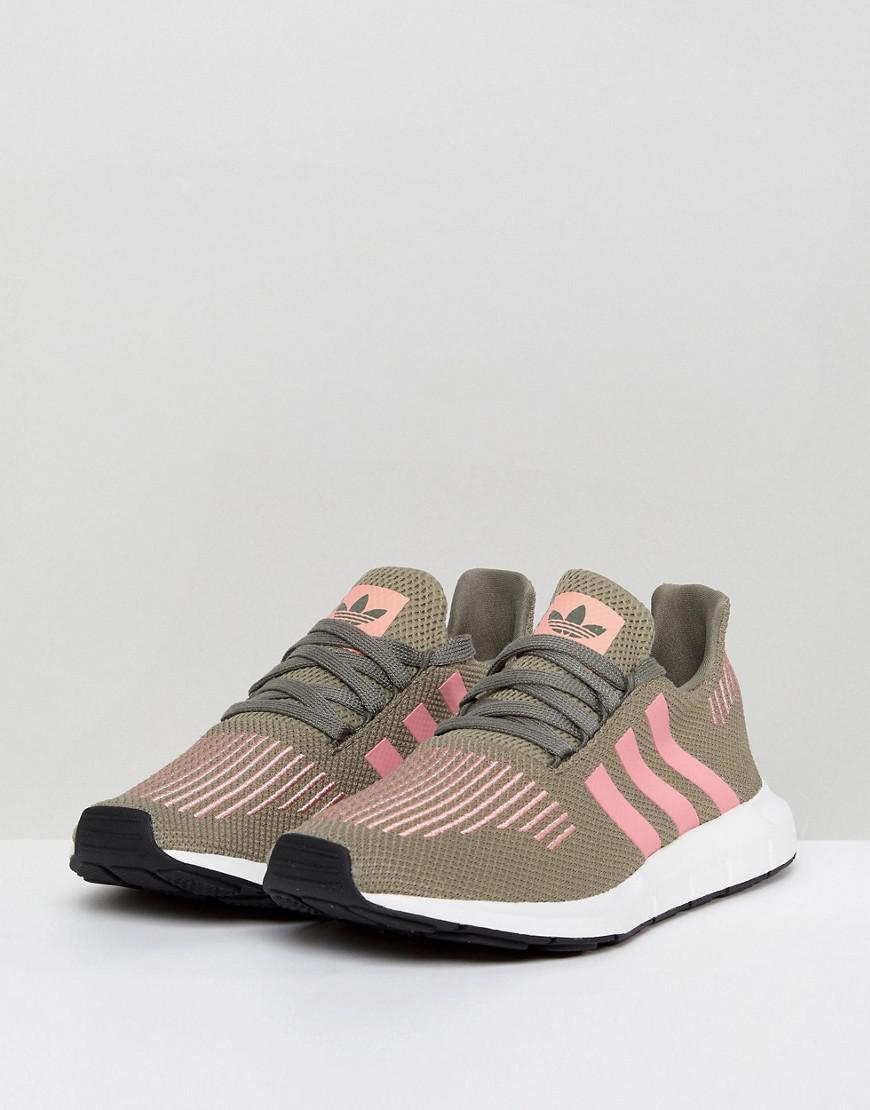 Originals Swift Run Trainers In Khaki With Pink Stripe