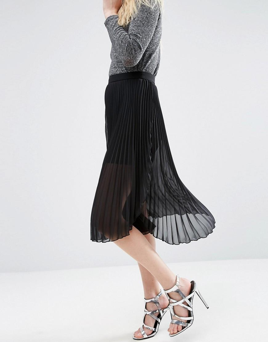Asos Pleated Midi Skirt With Dip Hem Detail in Black
