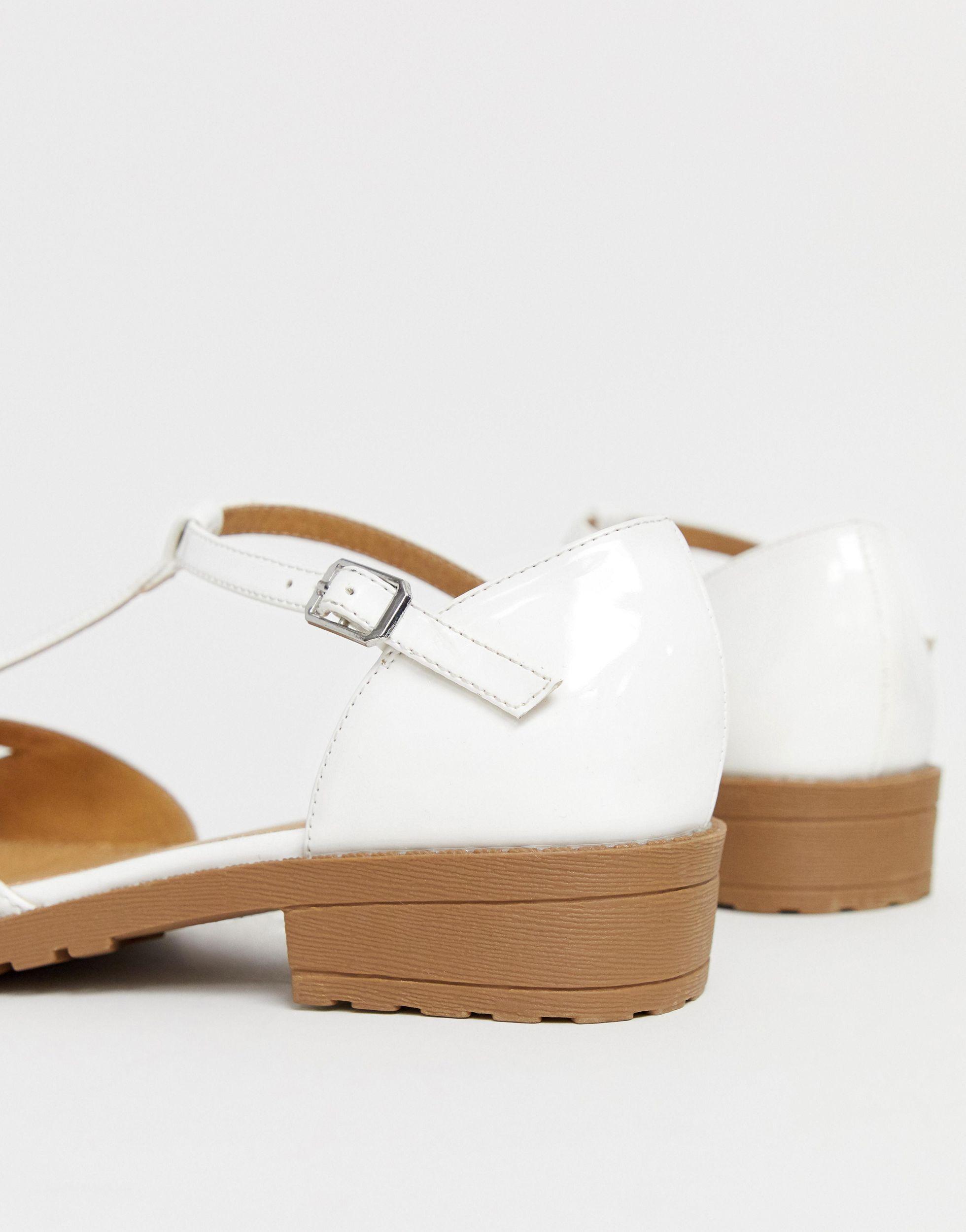 Micha - Chaussures plates pointure large - verni Cuir ASOS en coloris Blanc