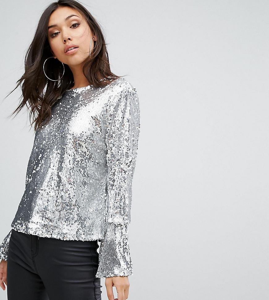 Lyst - Prettylittlething Sequin Top in Metallic