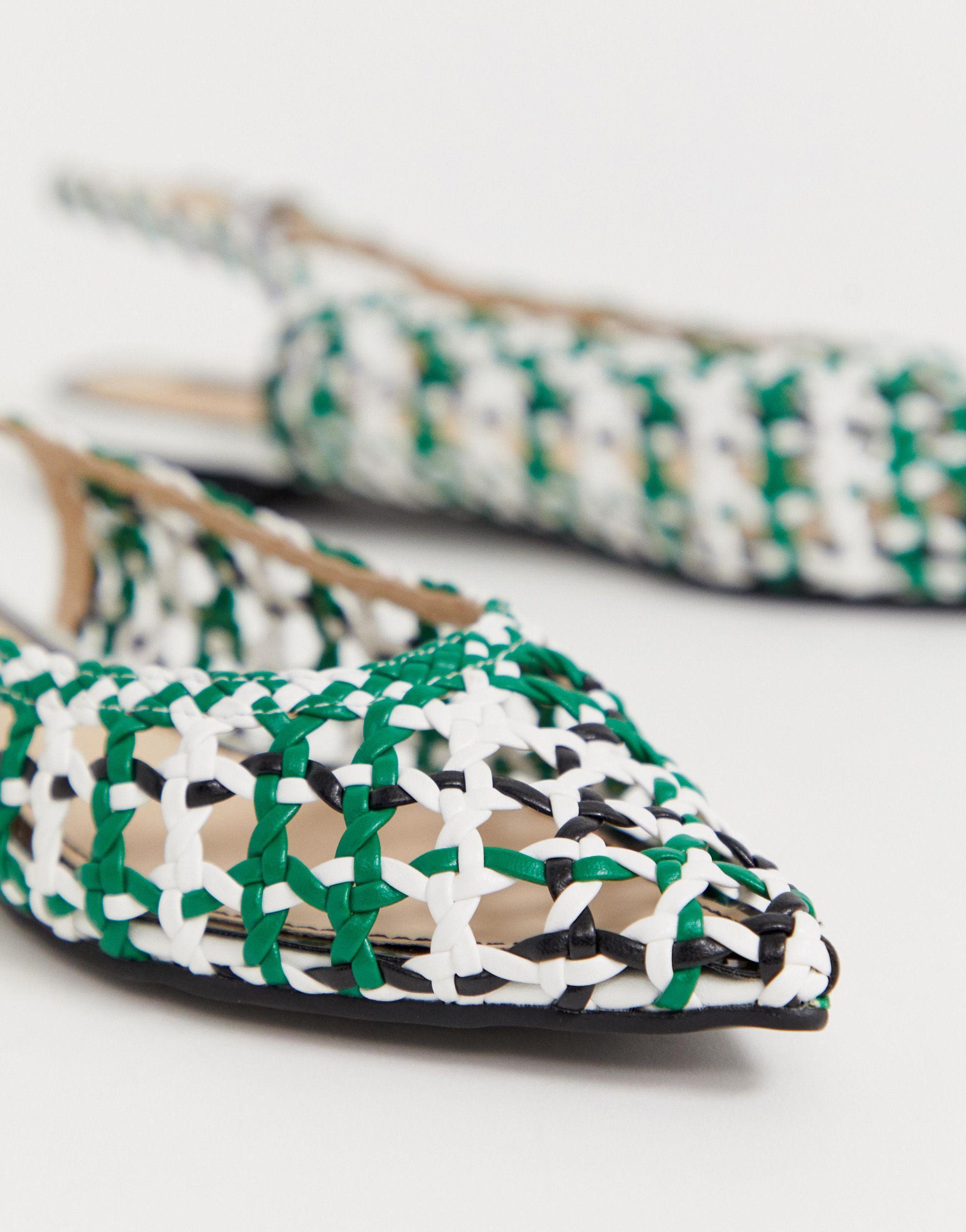 Zapatos multicolor en punta con diseño trenzado Miss Selfridge de color Verde
