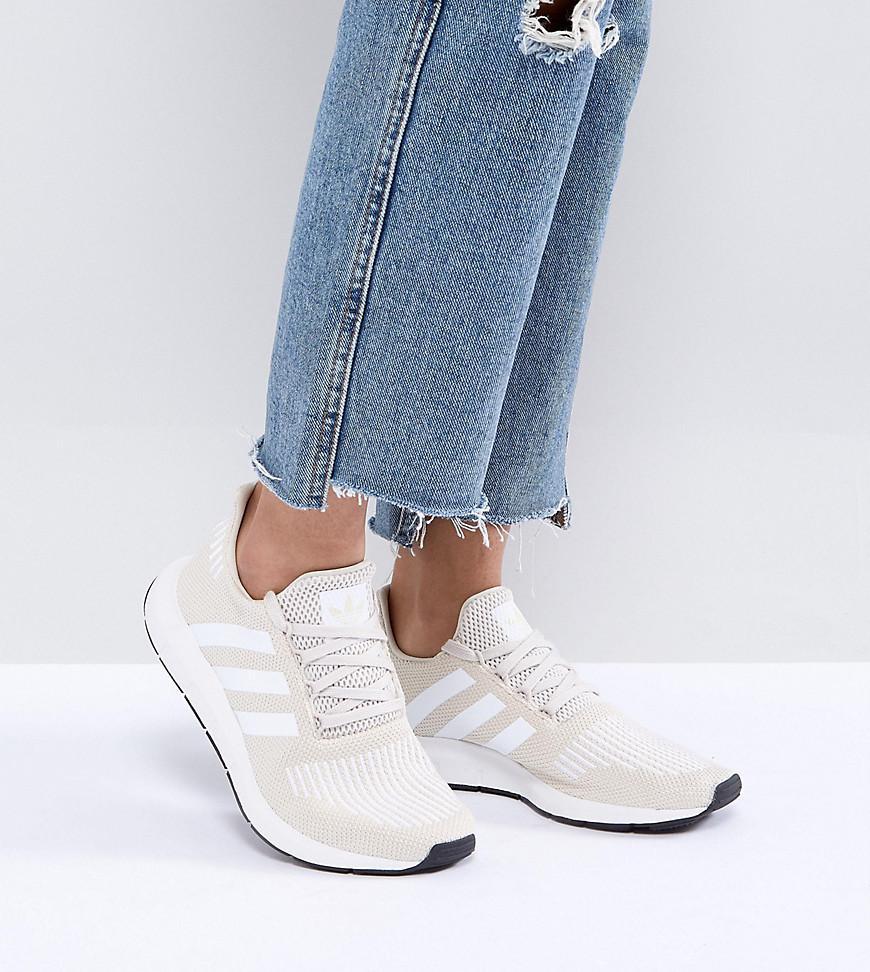 Adidas Originals Originals Swift Run Trainers In Cream With White Stripe Lyst