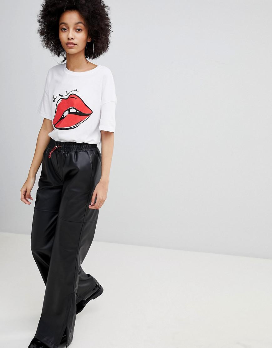 Lips Print Tee - White Bershka Real Cheap Online 2018 Online Sale Cheap Prices Cheap Sale Low Shipping Free Shipping Choice gUV2G57
