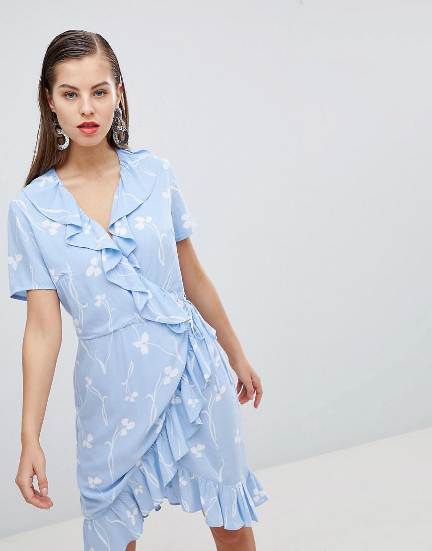 4c0a0b99db5 Y.A.S - Clover Print Mini Wrap Dress In Blue - Lyst. View fullscreen