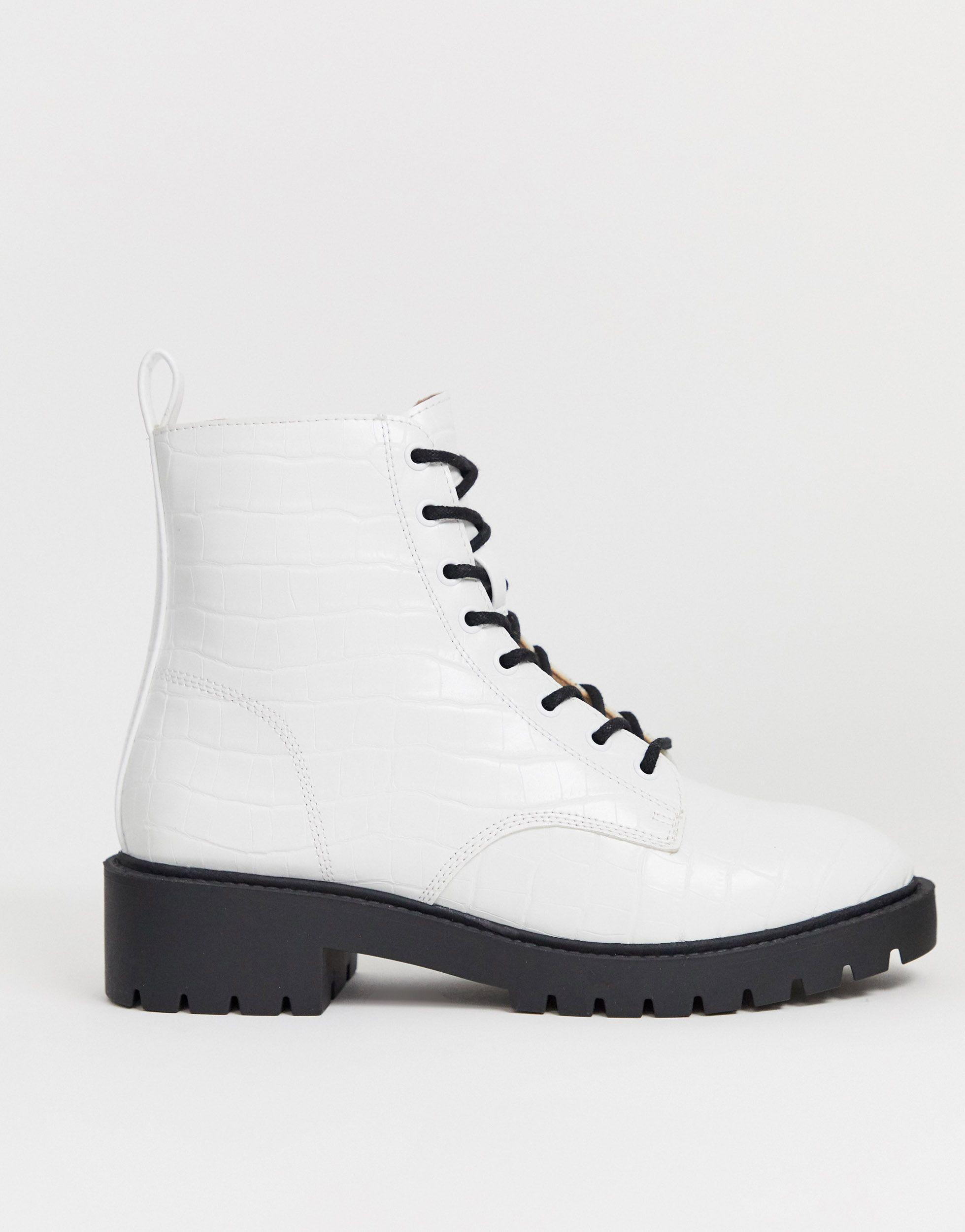 New Look Chunky Flatform Boots in White
