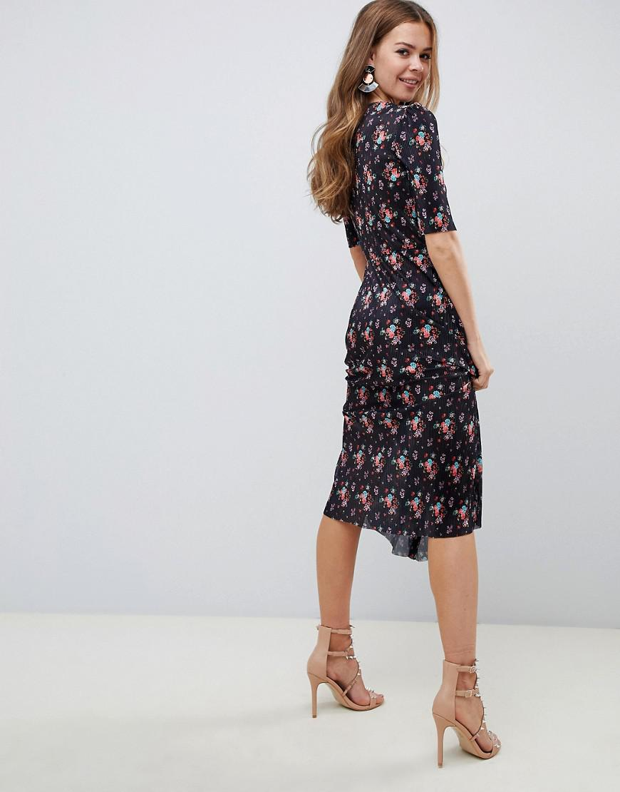 8a4631d0f17a ASOS Midi Plisse Dress In Ditsy Print With Button Detail in Black - Lyst