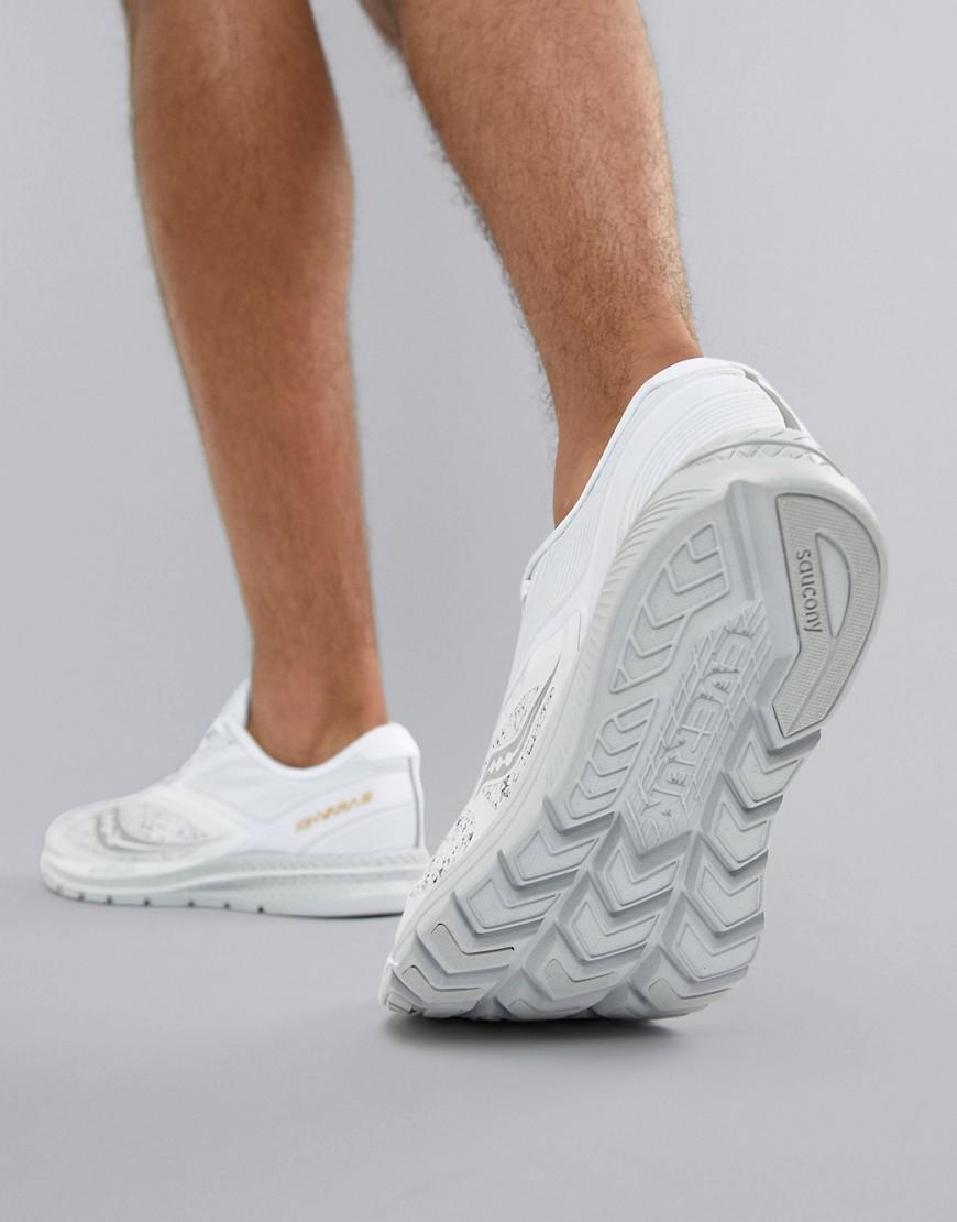 Saucony Running Kinvara 9 White Noise Pack Trainers In White for Men