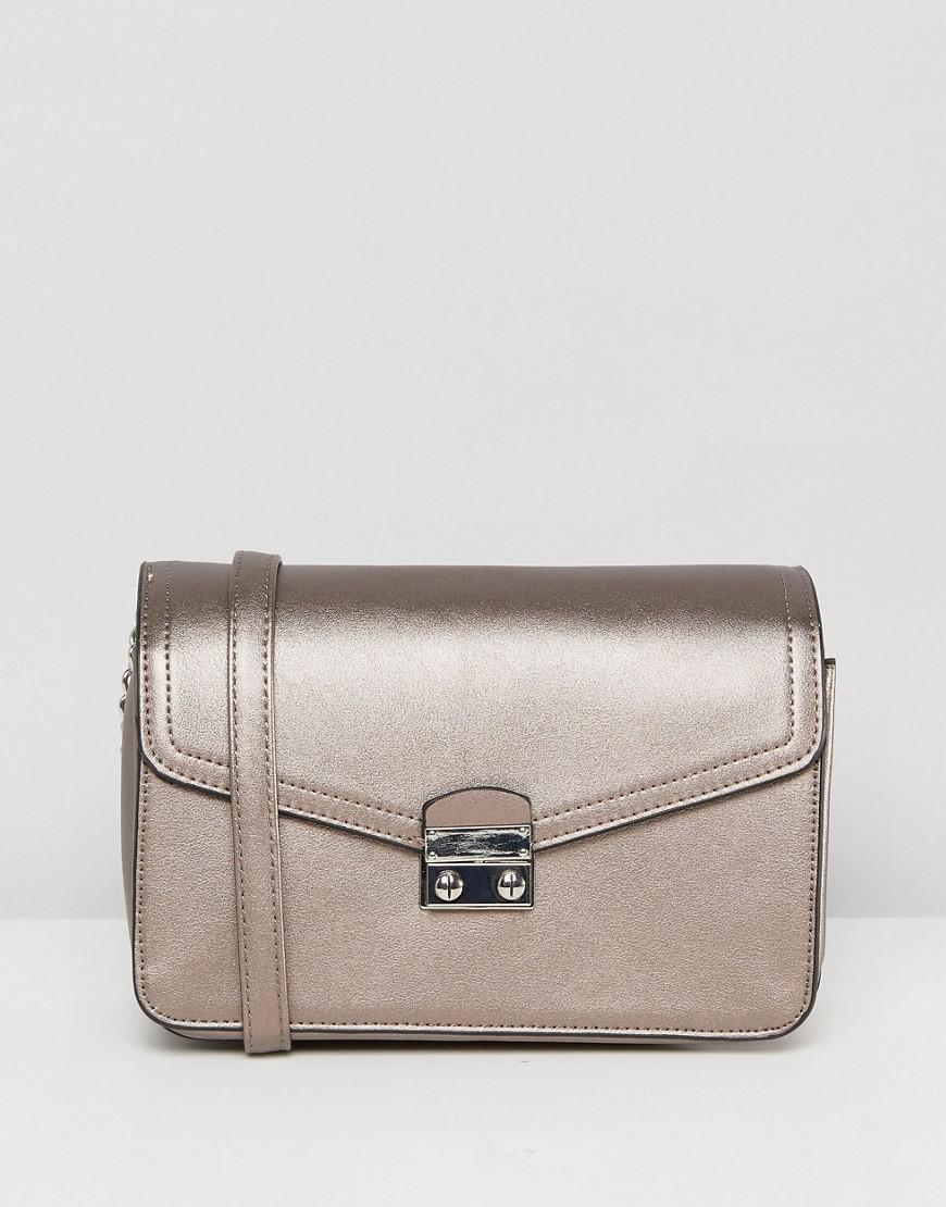 Cheap Monday HANDBAGS - Cross-body bags su YOOX.COM ddKQ4qR6