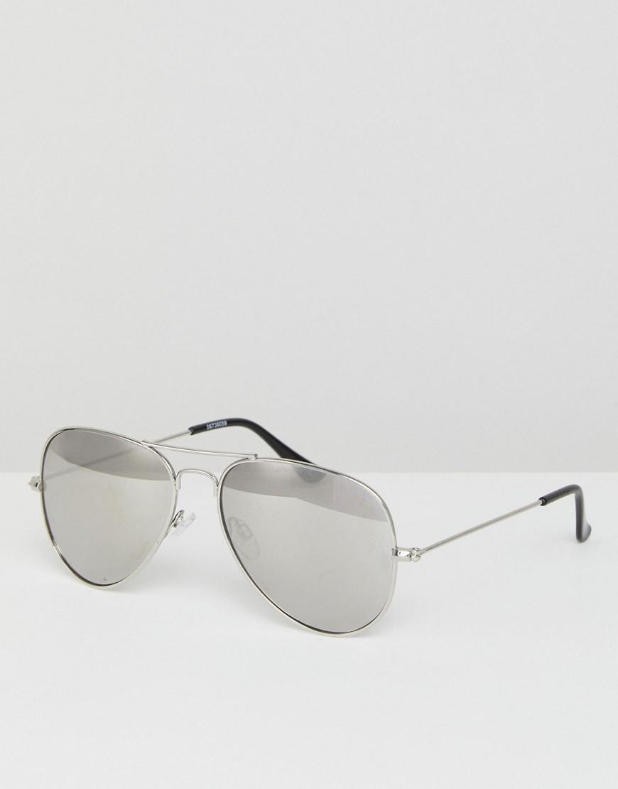 11cda88c3f ... Gafas de sol estilo aviador con montura y lentes de espejo plateadas  de. Ver en pantalla completa
