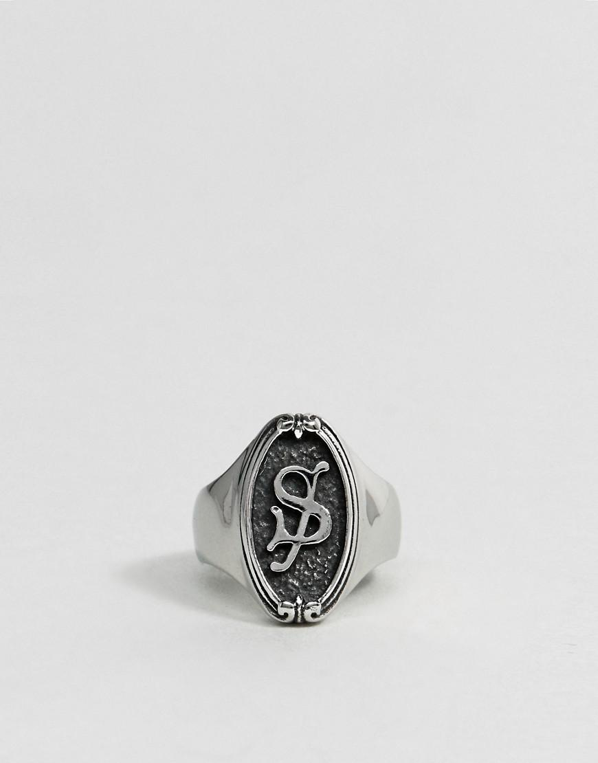 Regal Rose Gothic Framed S Initial Ring in Silver (Metallic)
