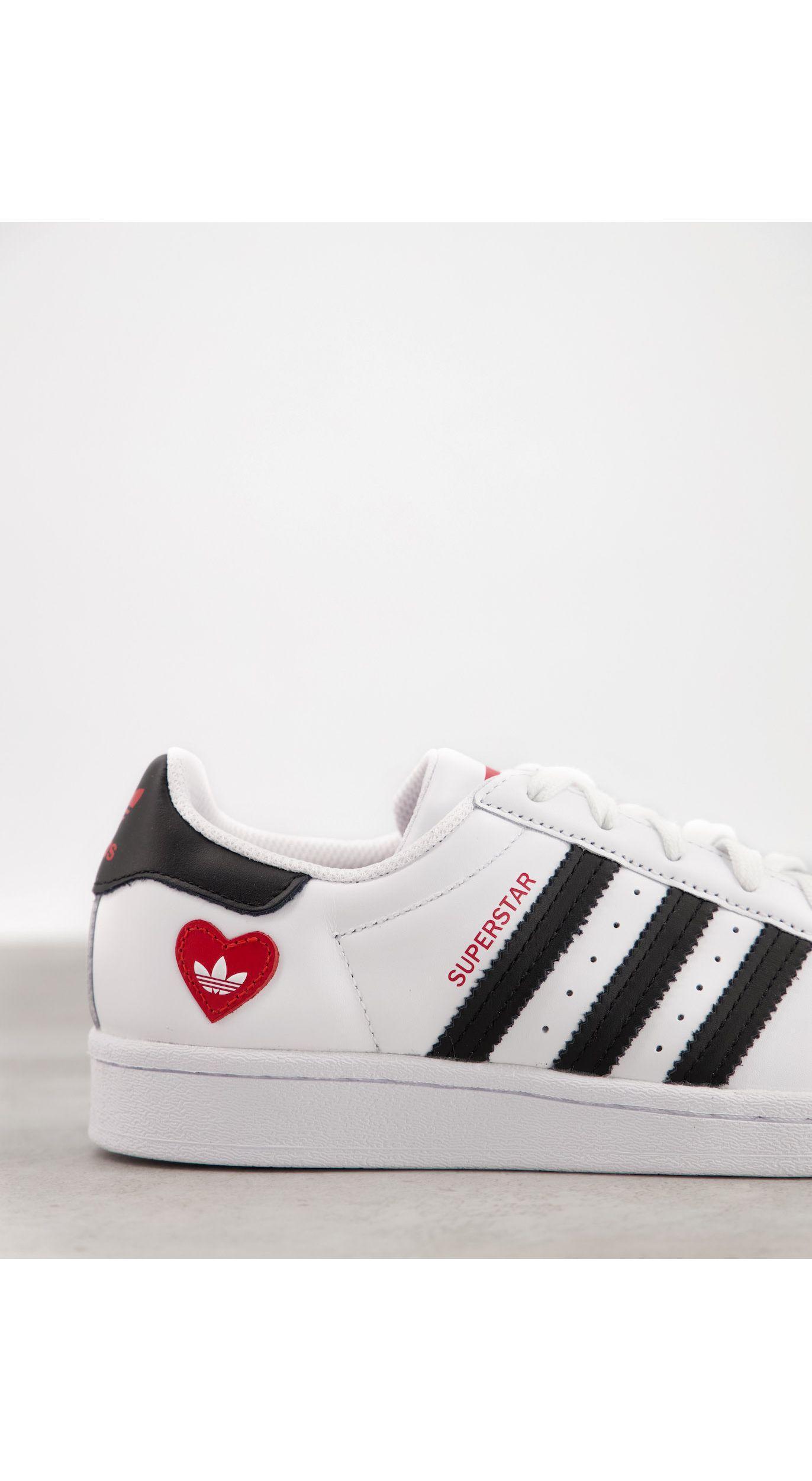 Valentines Superstar - Baskets - et imprimé cœur adidas Originals ...