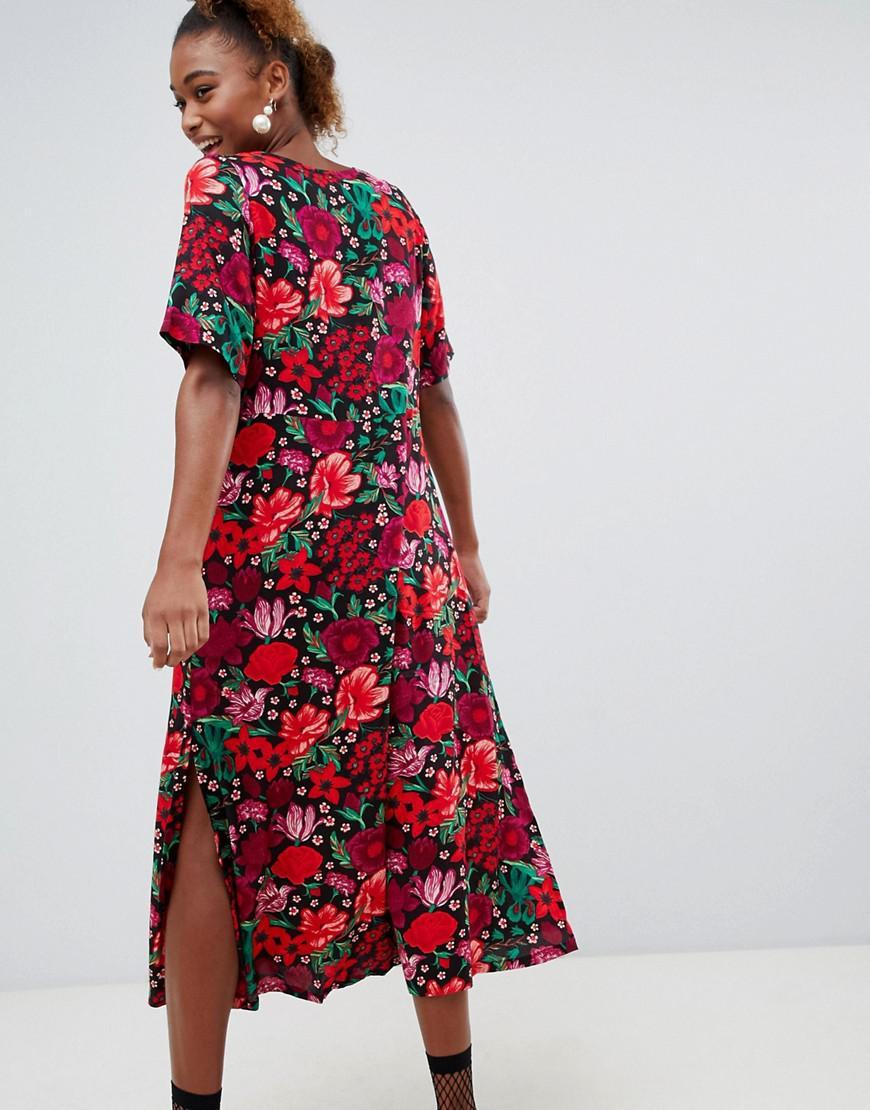 3e4611b22c17 Monki Short Sleeve Button Through Flower Print Midi Dress in Red - Lyst