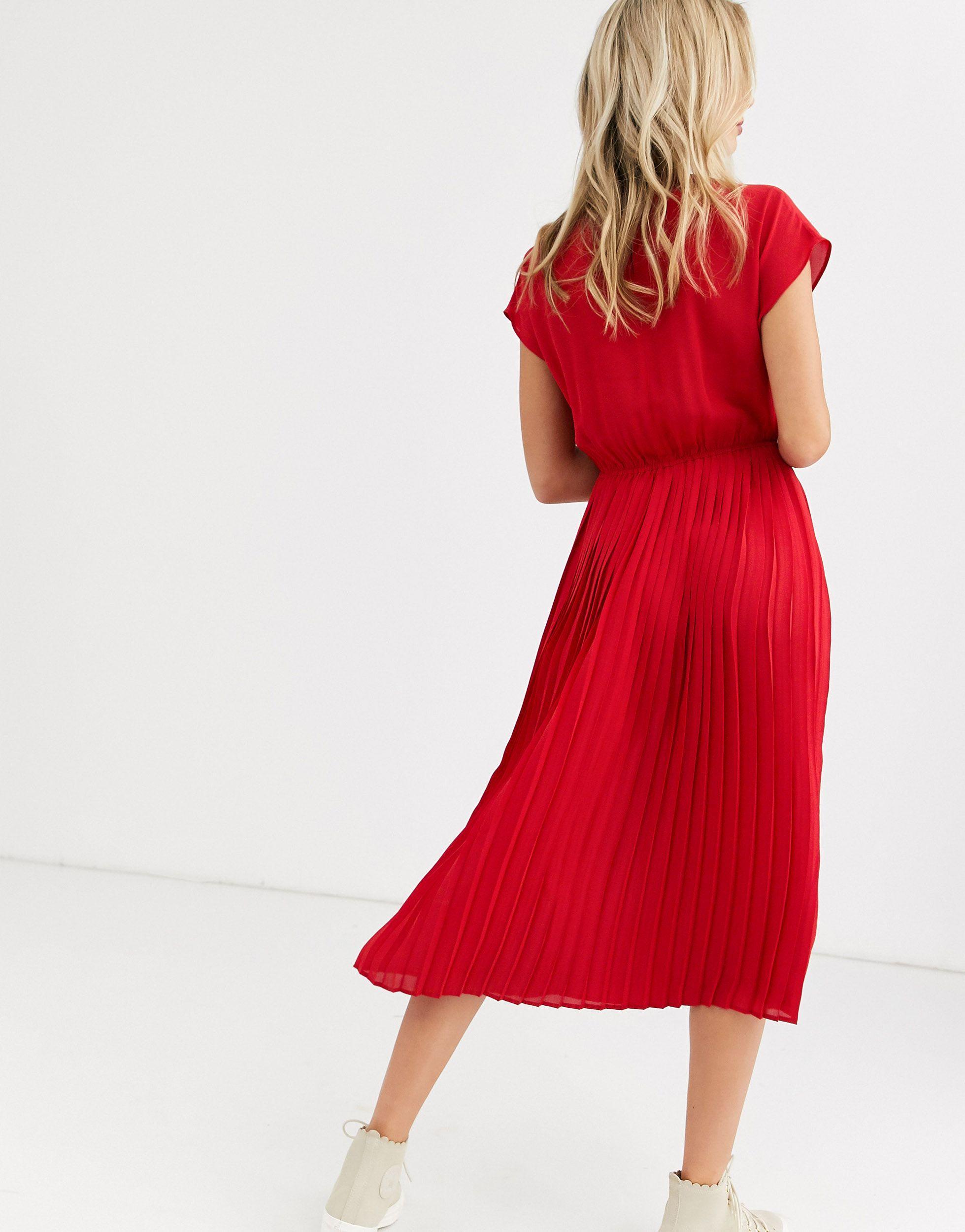 Robe mi-longue plissé Synthétique New Look en coloris Rouge