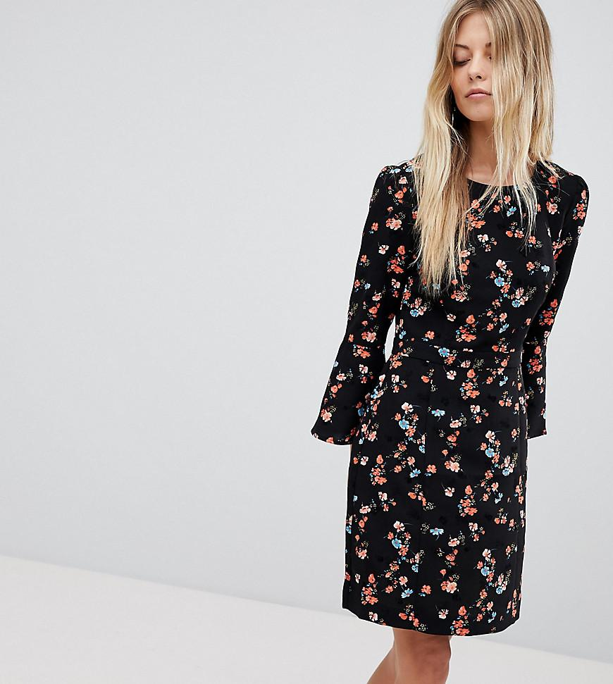 92ca4c675774e5 Lyst - Oasis Floral Printed Fluted Sleeve Midi Dress in Black