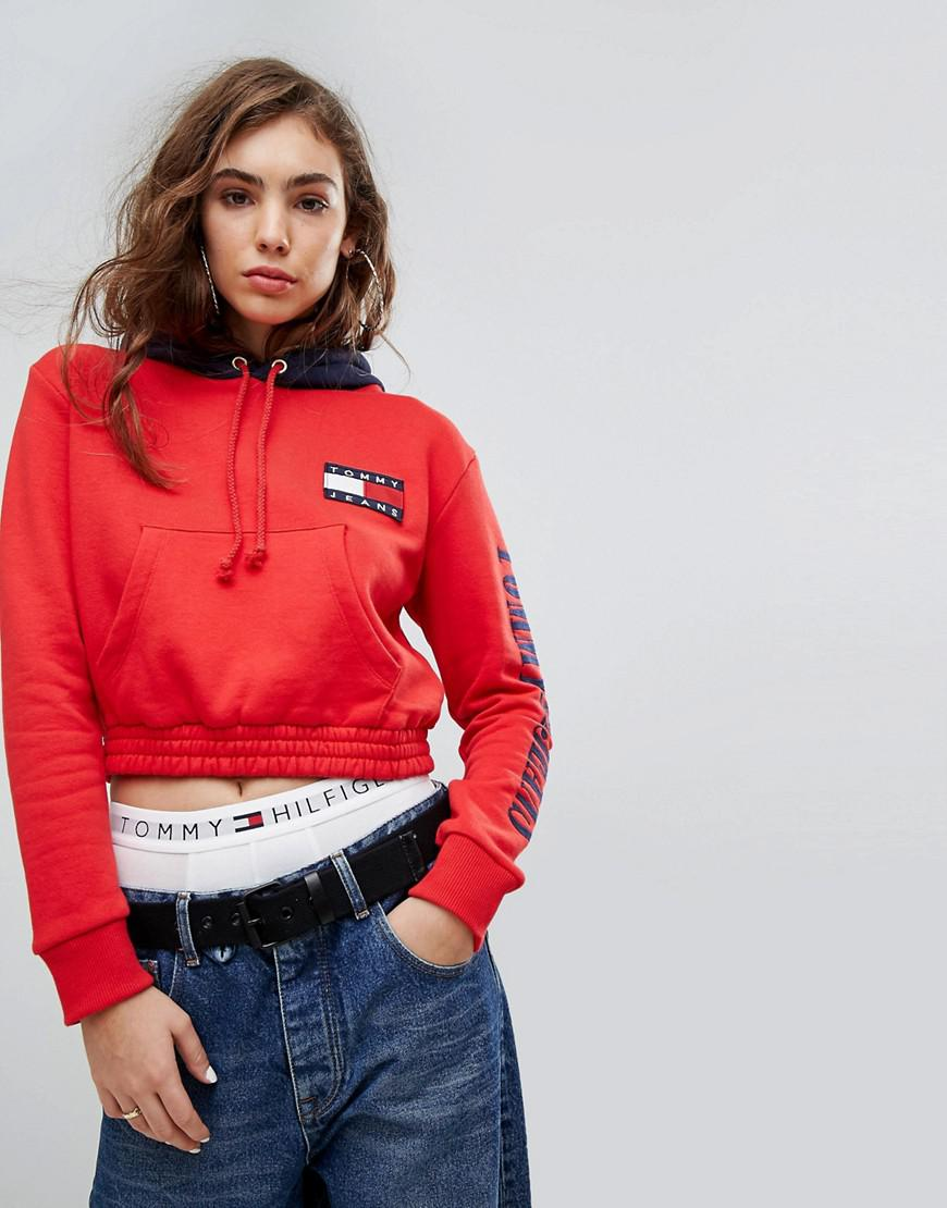 5086be90 Tommy Hilfiger Tommy Jeans 90s Capsule Contrast Crop Hoodie in Red ...