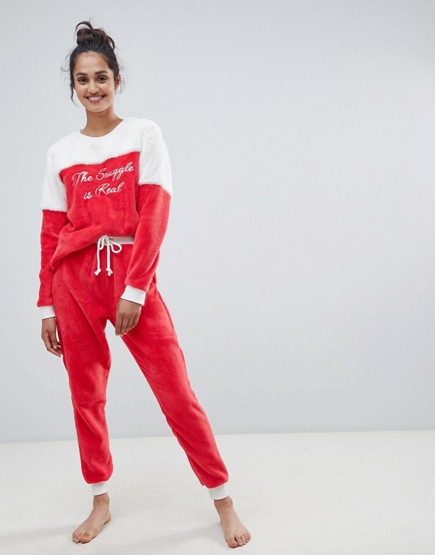 best value exclusive shoes durable modeling Chelsea Peers Synthetic The Snuggle Is Real Fluffy Pajama ...