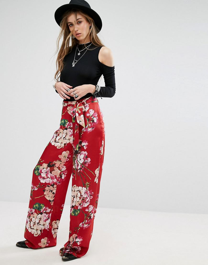 6977c602f3cb Missguided Floral Print Wide Leg Trousers in Red - Lyst