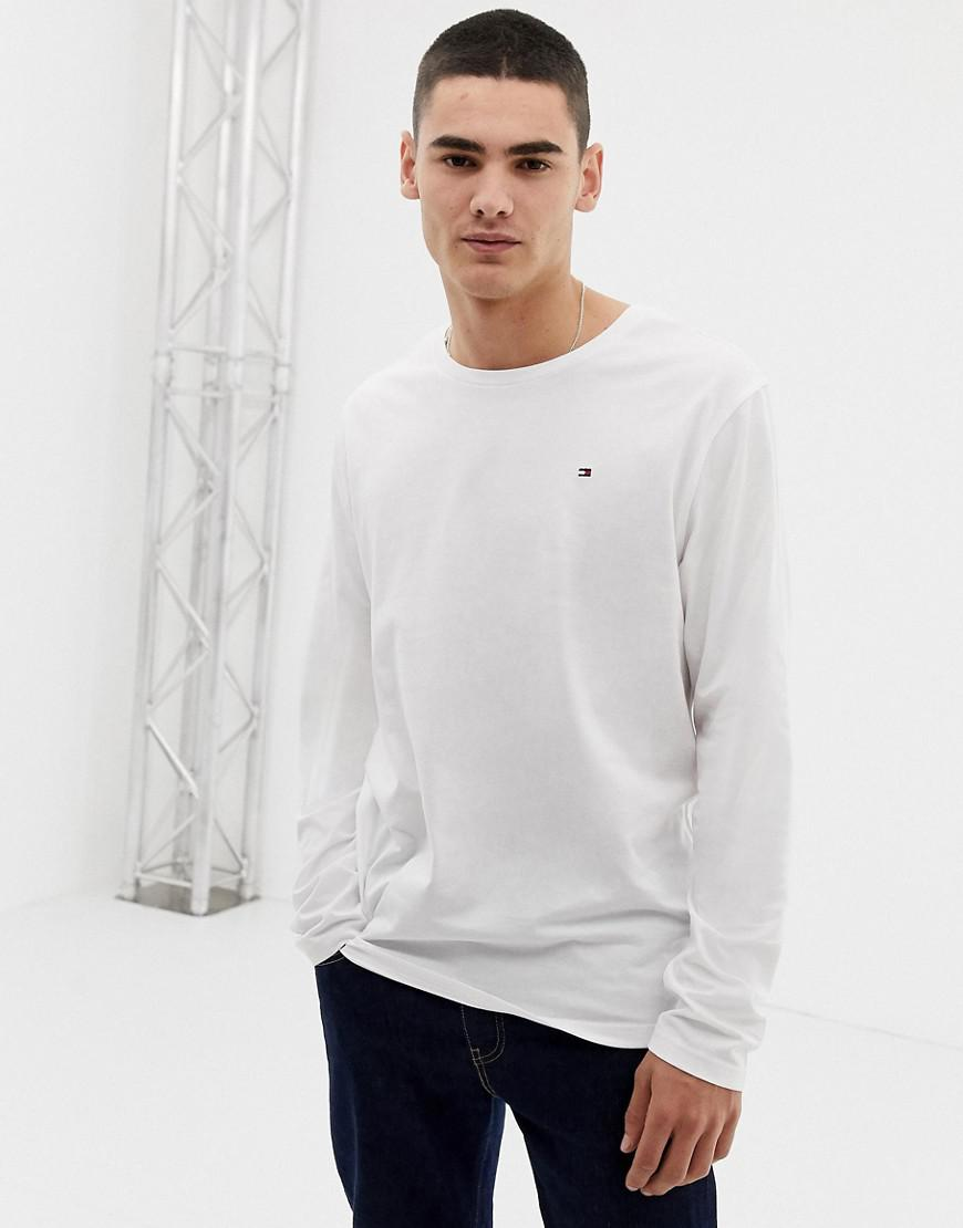 79088578fee47 Tommy Hilfiger Flag Icon Long Sleeve Top In Organic Cotton In White ...