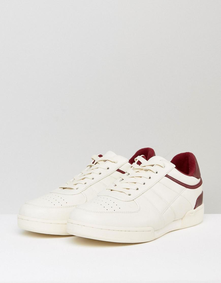 Men S Shoes Split Across Sole