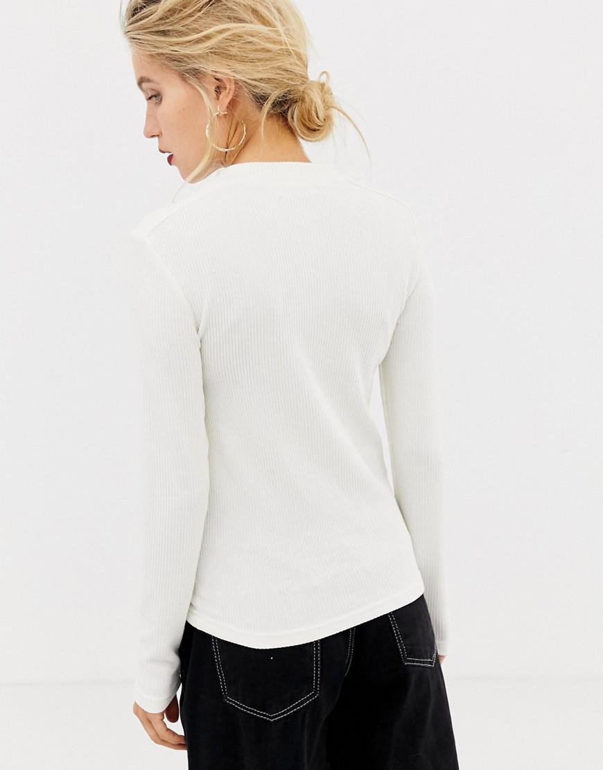 900415acc2ac0 Stradivarius Button Detail Long Sleeved Top in White - Lyst