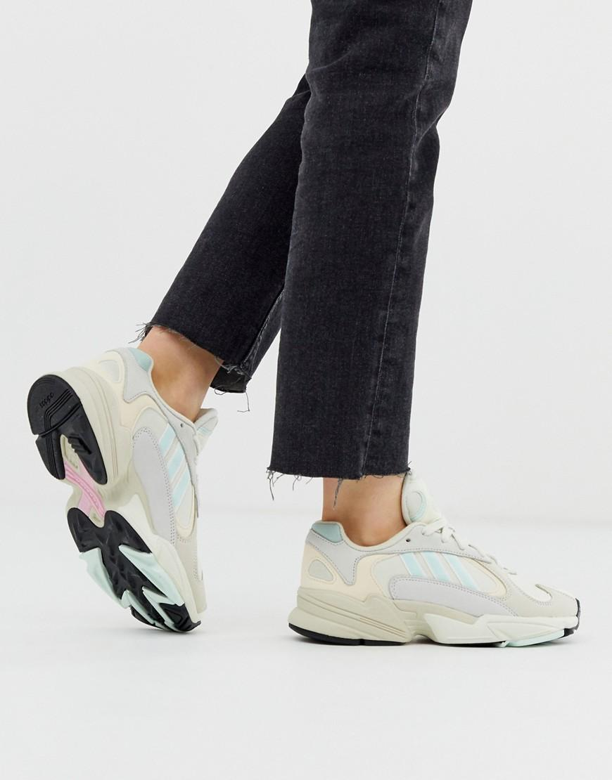 2499531c Women's Yung-1 Sneakers In Off White And Mint Green
