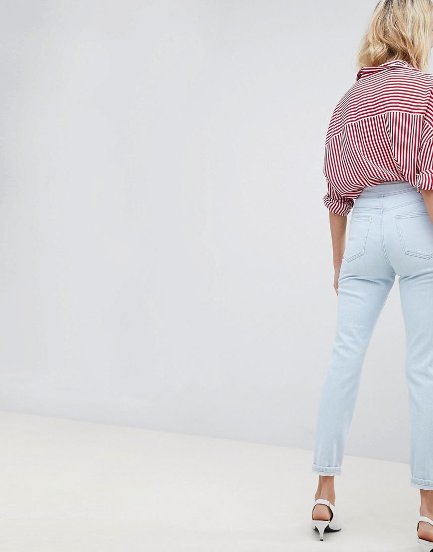 ASOS Denim Farleigh High Waist Slim Mom Jeans In Philomena Light Stone Wash With Savannah Styling And Side Tab Detail in Blue