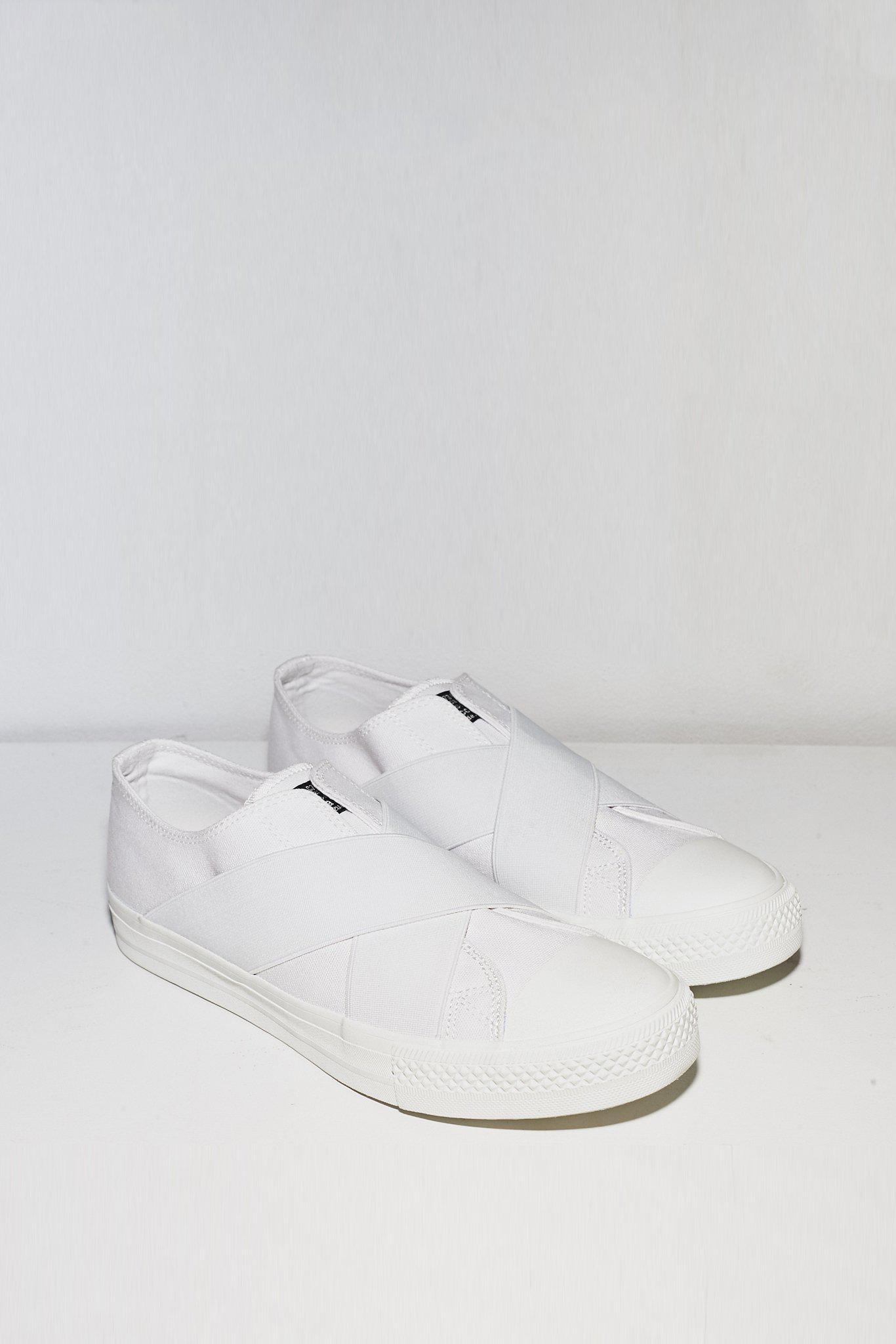 Zucca Womens Low Cut Belted Sneaker - White