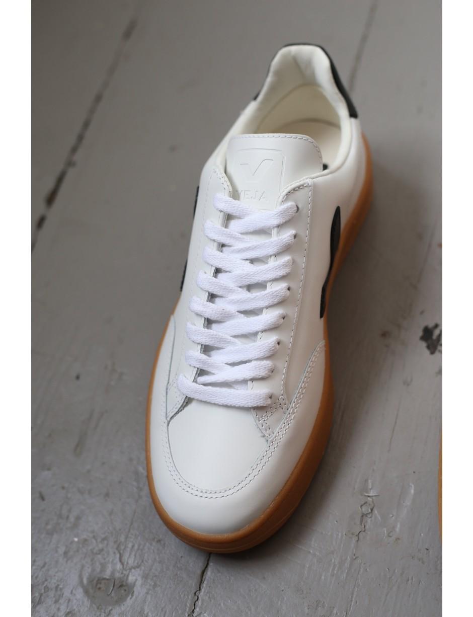 Veja Leather V12 Extra White \u0026 Black
