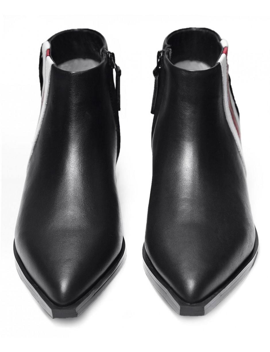 Senso Leather Lawrence I Contrast Stripe Boots in Black
