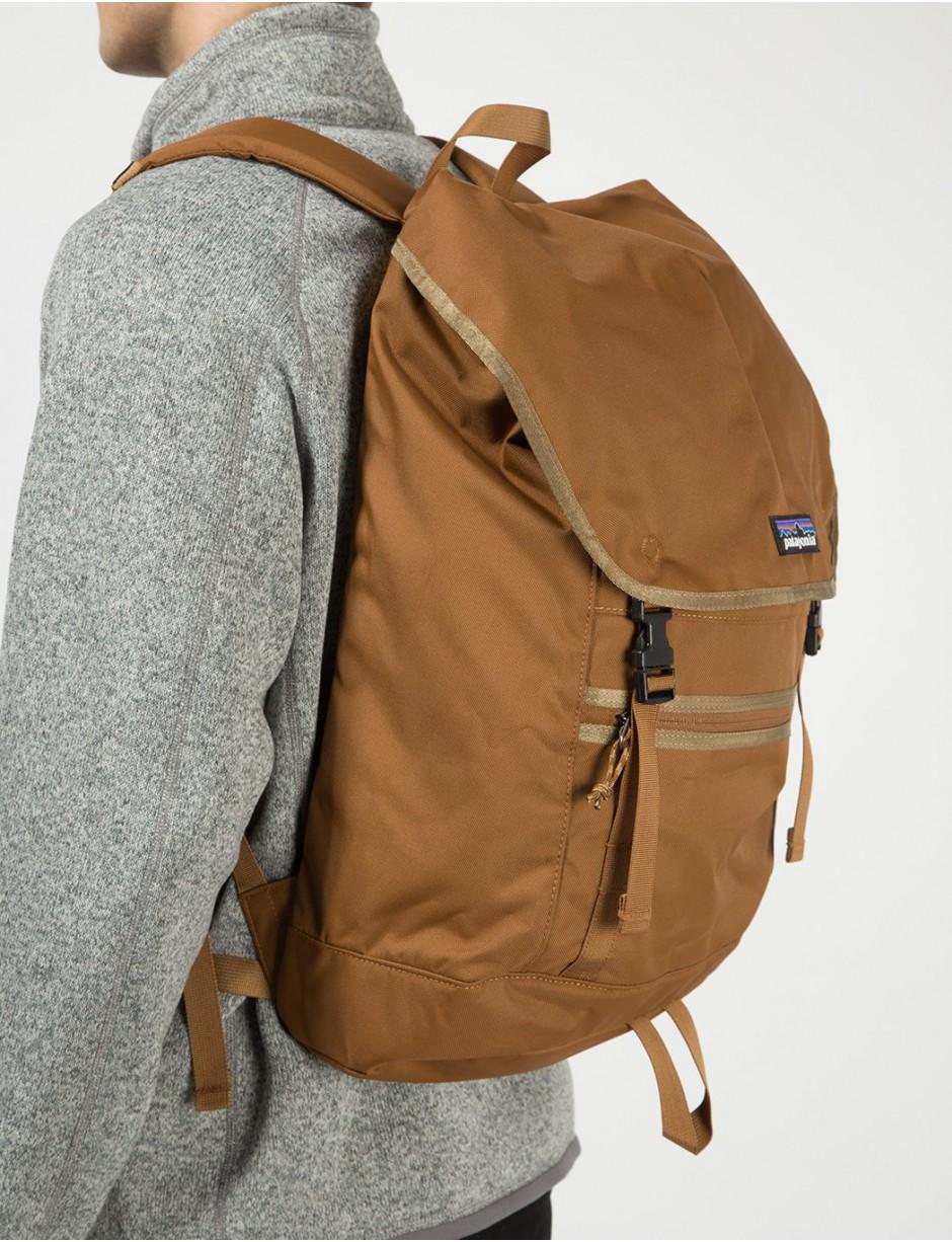 25/% OFF! Patagonia Arbor Market Backpack 15L Bence Brown